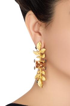 Leaf motif long earrings