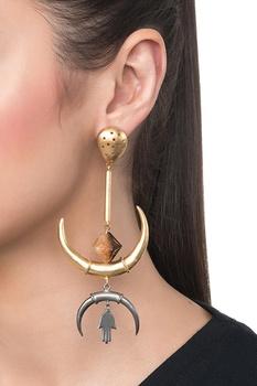 Golden brass onyx inverted arc dangler earrings