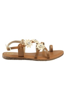 Strapped flat sandals