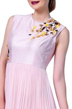 Floral motif embroidered flared dress