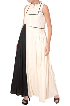 One side pleated flare maxi dress