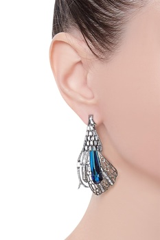 Enchanted studs with swarovski crystal