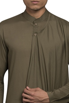 Asymmetric hemline draped kurta