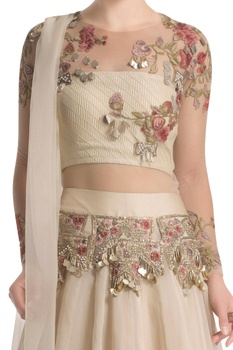 Cream skirt set with floral embroidery
