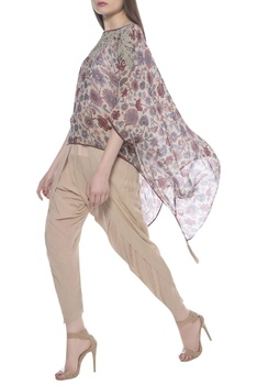 Kurta & dhoti pants with printed cape
