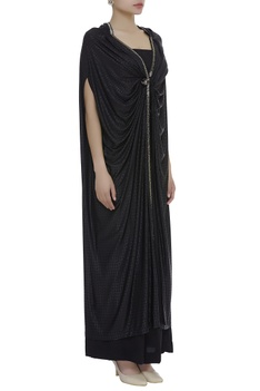 Sleeveless jumpsuit with embroidered cape