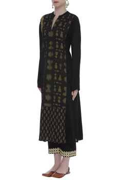 Embroidered Kurta With Straight Pants