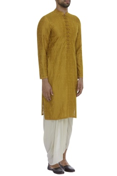 Embroidered kurta with mandarin collar