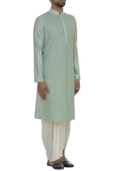 Pintuck embroidered kurta