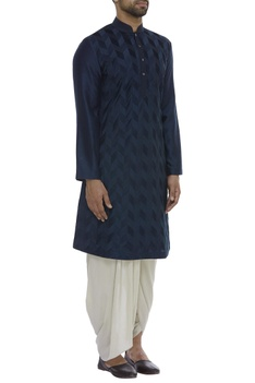 Pintuck embroidered full sleeves kurta