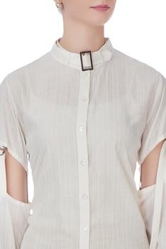 White buckle shirt kurta