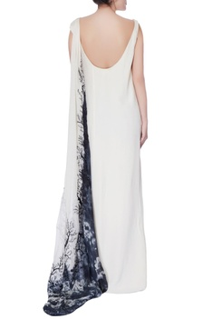 Black & white sleeveless flowy gown