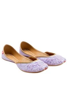 Lilac cutdana leather jootis