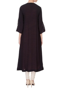 Peach linen silk kurta with black embroidered mastani jacket