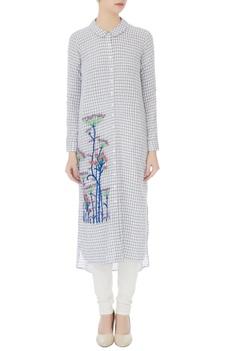 Blue & white floral resham embroidered kurta
