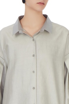 Grey shirt tunic with silver collar