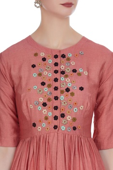 Front slit tunic with button placket