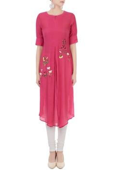 Pink linen georgette hand embroidered kurta