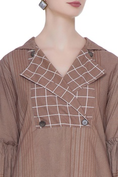 Brown organic poplin chequered blouse with gathered sleeves & hoodie