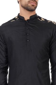 Black patterned sleeves kurta