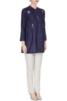Floral embroidered blouse with pintuck detail