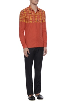 Orange butterfly printed collar shirt with long sleeves