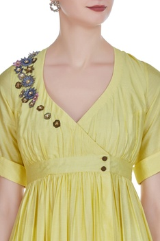 Wrap pleated tunic with floral embroidery