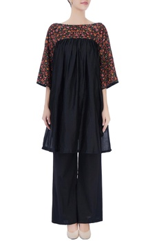 Black floral embroidered kurta & pants