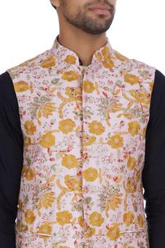 Zari flower embroidered bandi