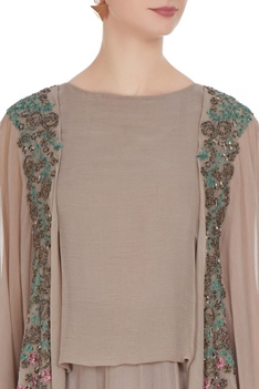 Embroidered jacket top with uneven hem pants