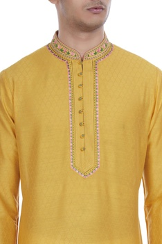 Printed kurta with button placket