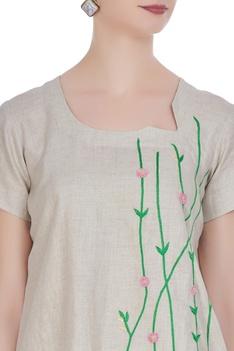Leaf motif embroidered linen blouse
