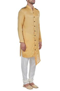 Shoulder flap kurta
