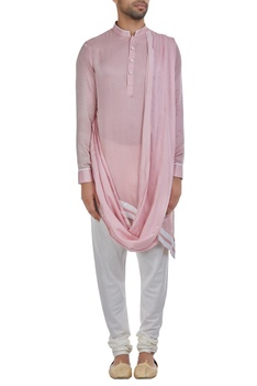 Asymmetric hemline kurta with drape
