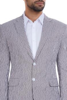 Stripe pattern cotton seersucker double breasted jacket