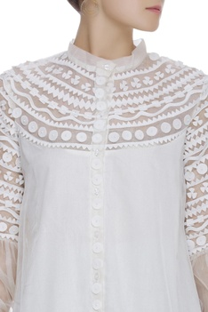 Applique top with puff sleeves