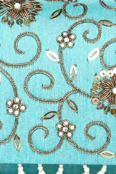 Floral handwork pearl & zardozi clutch with chain