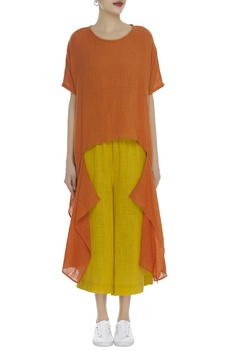 Asymmetric solid blouse
