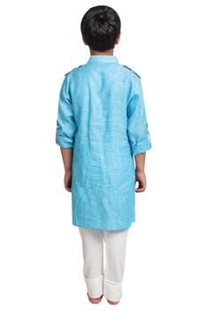 Rolled-up sleeves kurta with pants