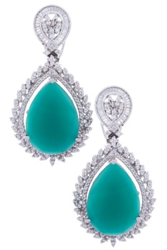 Stone earrings with green crystal