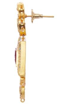 Kundan pendant set with pearl string