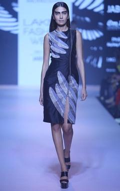Black feather zipper dress