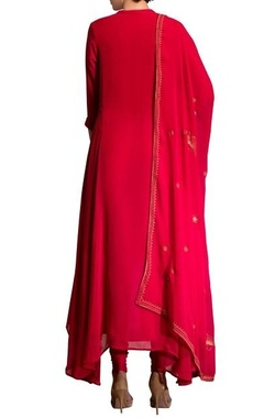 Fuschia pink kurta set with screen printed dupatta