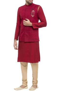 maroon cotton jacquard & cotton silk maple print kurta with bandi