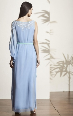 blue thread embroidered kaftan