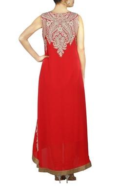 Red kasab embroidered kurta set