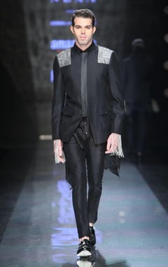 Black jacket with Chinese collar