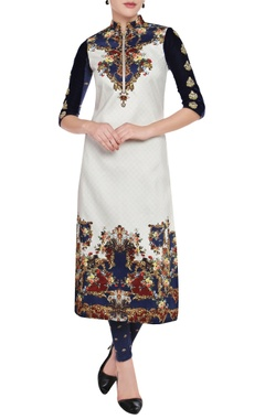 Falguni Shane Peacock White & navy blue printed kurta & leggings