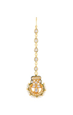 Gold plated maangtika with studded pearls