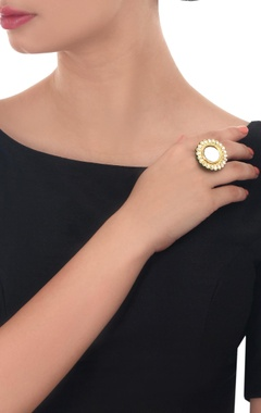 Gold plated floral kundan ring